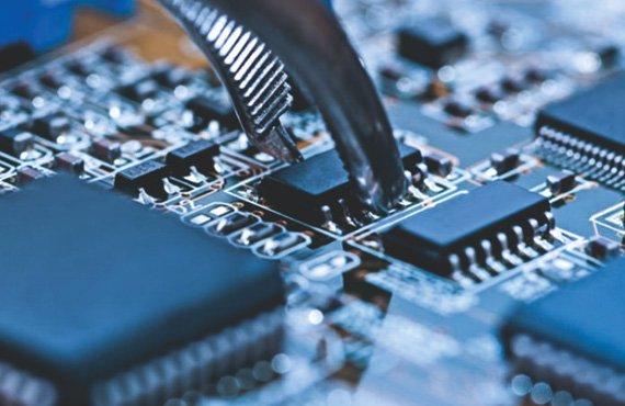 Оказание услуг по монтажу печатных плат включая весь цикл ручного монтажа  печатных плат (включая SMD компоненты размером 0,0201)